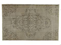 A210591  Tapis vintage  209 cm x 136 cm